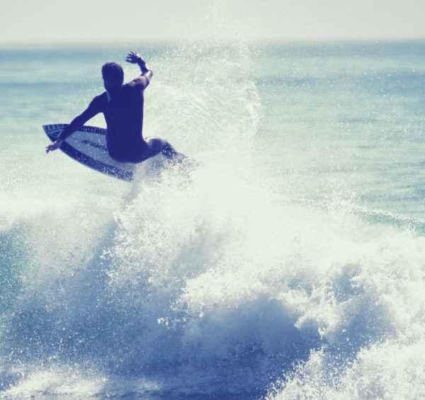Surfen Sie in Marokko