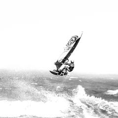 Saut en windsurf